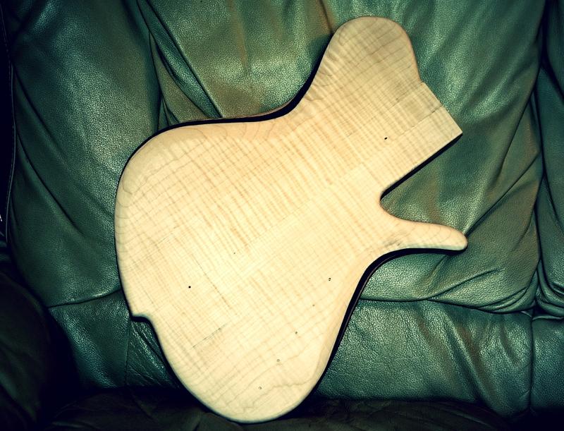 Construção caseira (amadora)- Bass Single cut 5 strings - Página 2 Speia