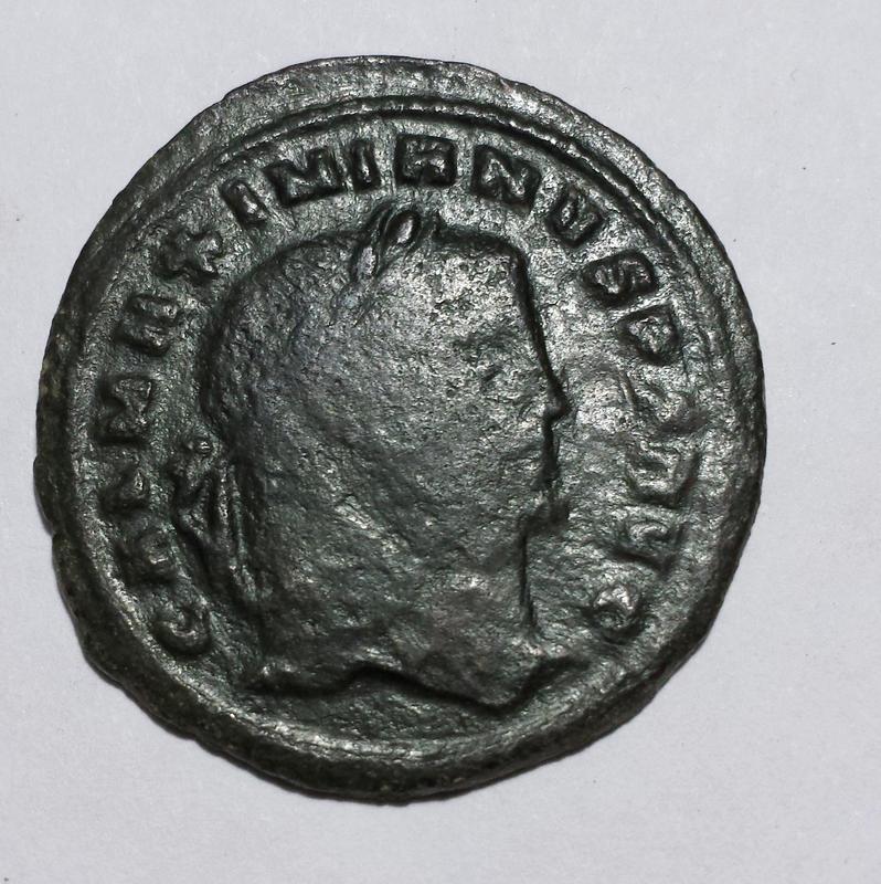 Nummus de Galerio como augusto. GENIO AVGVSTI. Cycico Image