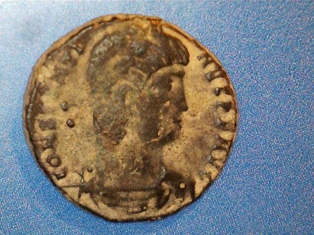 AE3 de Constantino II. GLORI-A EXER-CITVS. Un estandartes entre dos soldados. Ceca Tesalónica. 2017_02_17_0003_0_X