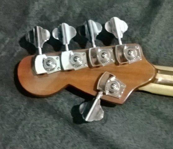 Novo Jazz Bass da Amazon Custom bass !!! 1800274_594400063981124_1051061084_n