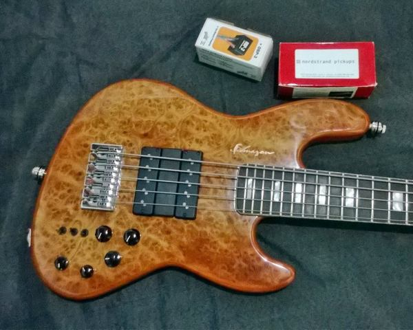 Novo Jazz Bass da Amazon Custom bass !!! 1655989_594400223981108_1098336380_n