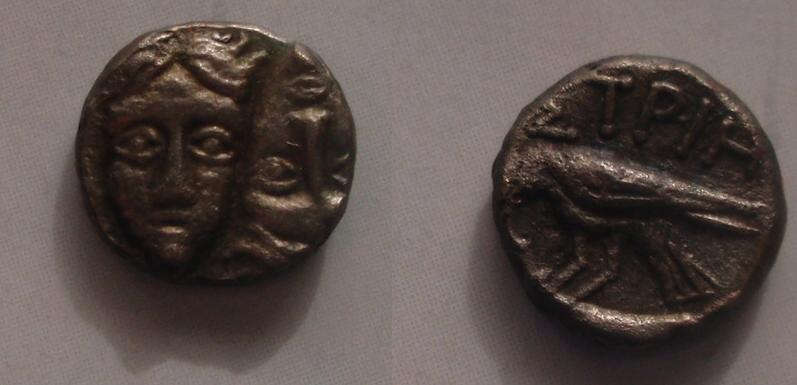 Óbolo de Istros (Tracia) 400-350 a.C. 0_caras
