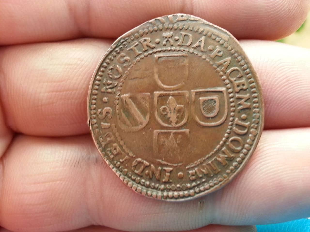 Jetón de Felipe IV. Tournai. 1646. Deseos de Paz.  20140328_173711