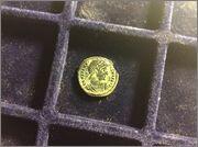 AE3 de Constantino I. GLORIA EXERCITVS. Cycico Image