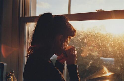 Приглашаем на кофе тайм... - Страница 8 Coffee-dreamer-girl-meadow-Favim.com-2994835