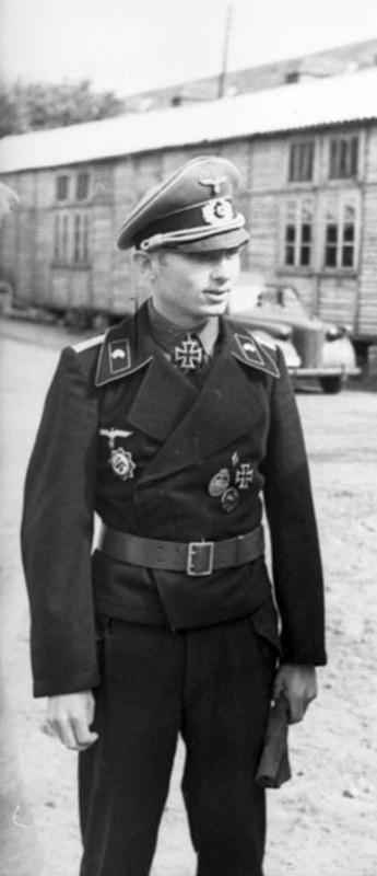 casco - Mis apuntes de WWII Gorra_panzer