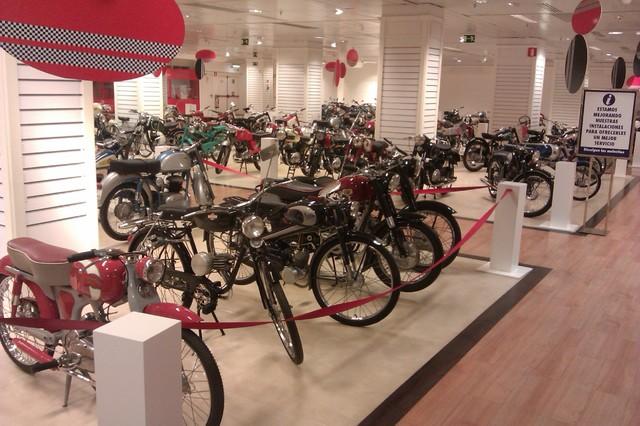 """Exposición """"101 Motos Españolas"""" en Valencia IMAG0353"""