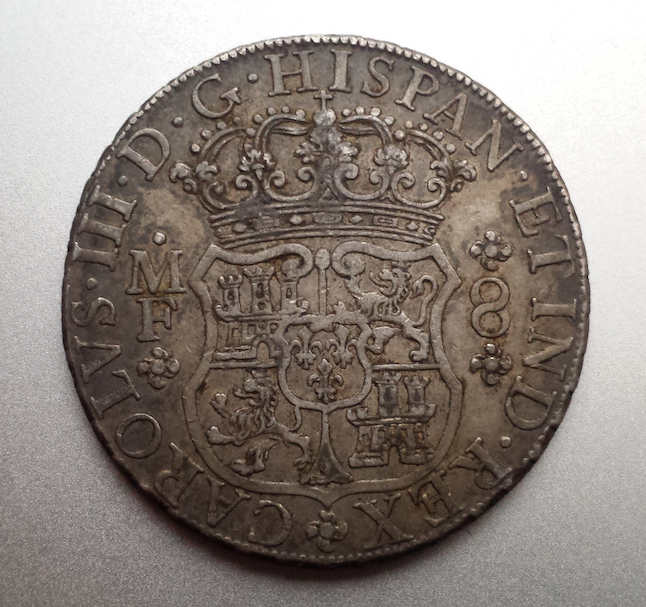 8 reales columnario 1768. Carlos III. México Captura_de_pantalla_2015_02_11_a_les_19_48_32