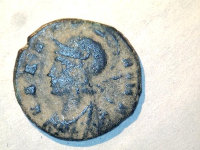 AE4 conmemorativa VRBS ROMA. GLOR-IA EXERC-ITVS. Ceca Constantinopla. 16mm