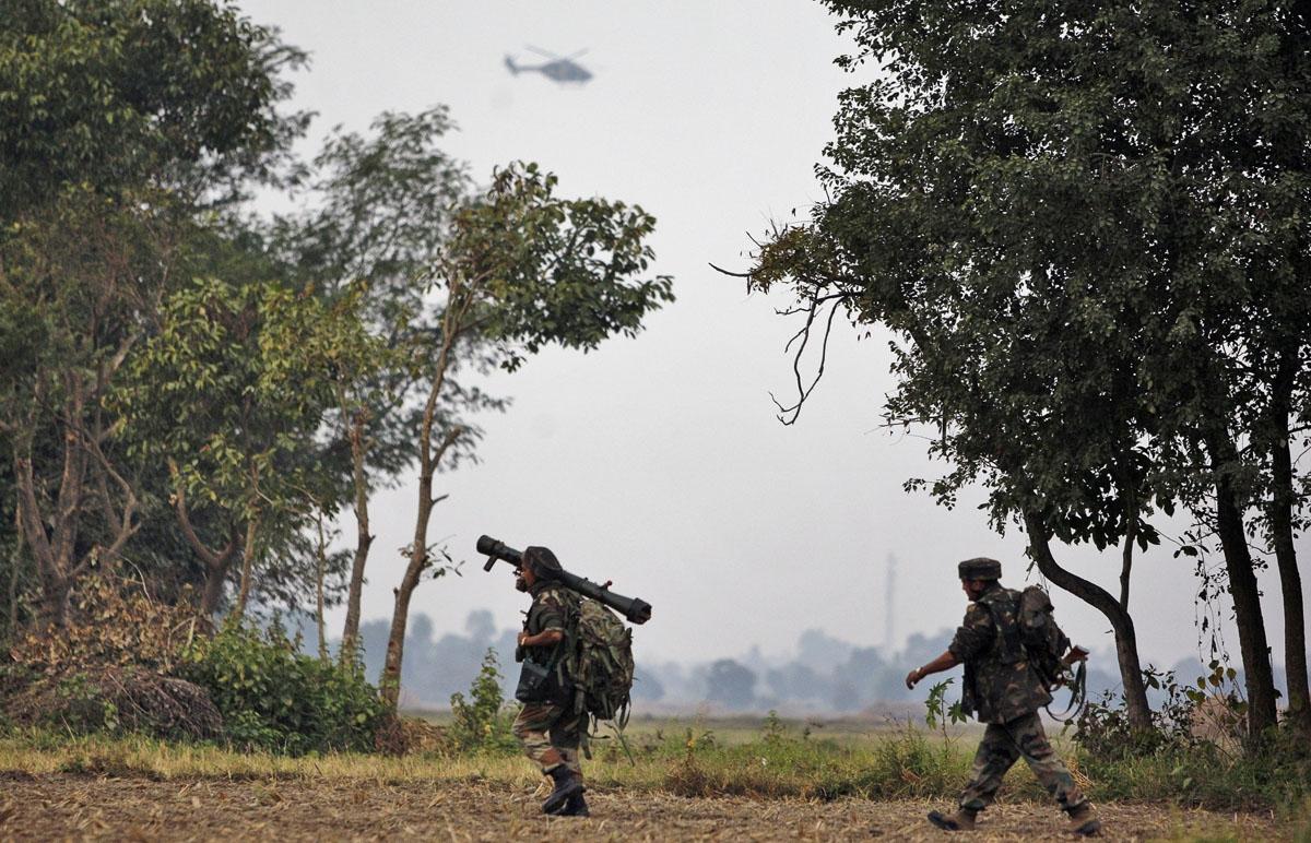 inde India_Kashmir_Fightin_Webf_547706a158606