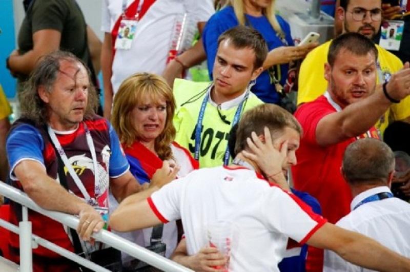 Svjetsko nogometno prvenstvo 2018. - Page 2 INCIDENT-_MEDU-_NAVIJACIMA-_NA-_UTAKMICI-_SRBIJA-_BRAZIL-_Srpsku-obitel