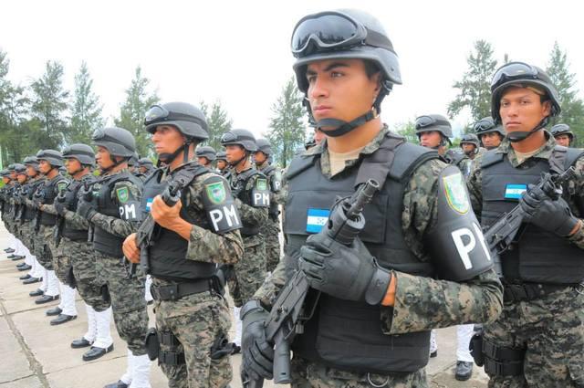 Fuerzas Armadas de Honduras 1376396_566106453443266_493836062_n