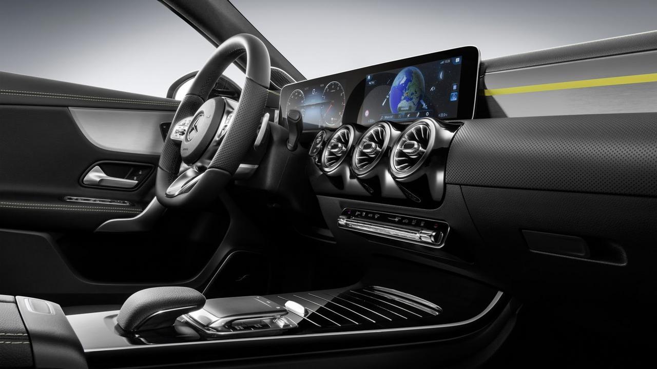 novo classe A 2018 começa ser revelado 2018-_Mercedes-_A-_Class-1
