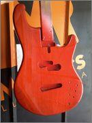 Groovemaker+ 4 cordas da Mendes Luthieria IMG_20141117_WA0014