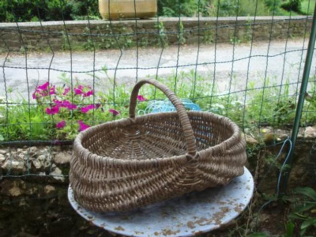 les outils pour le jardinage indispensables ou non - Page 2 Grand_panier