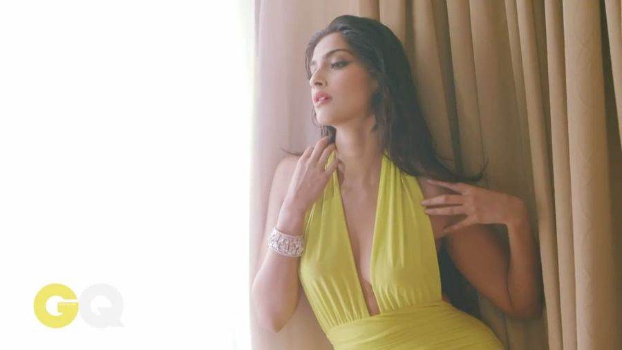 Sonam Kapoor Sizzles in GQ Magazine#3 - Page 2 Sonam_Kapoor_Fropki_040