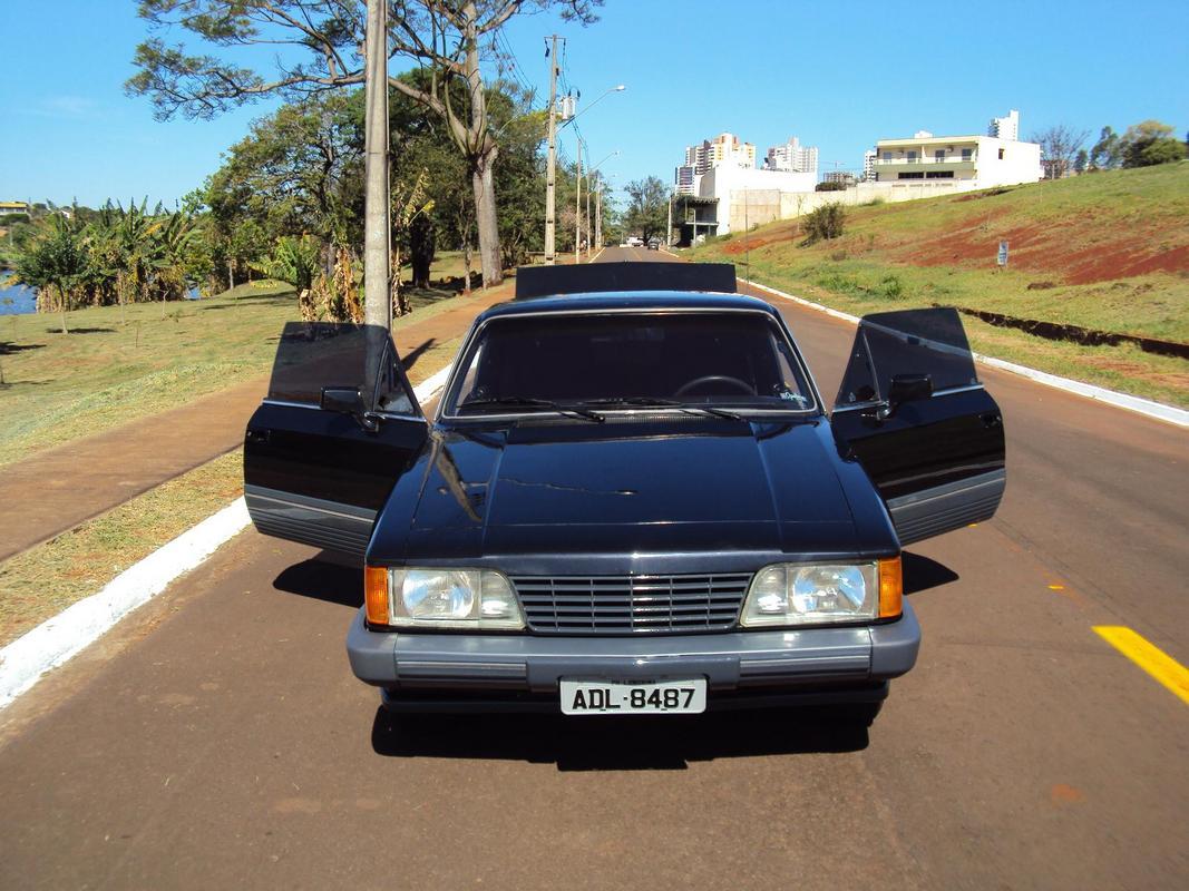 Diplomata Coupe 1988 - 250S DSC03821