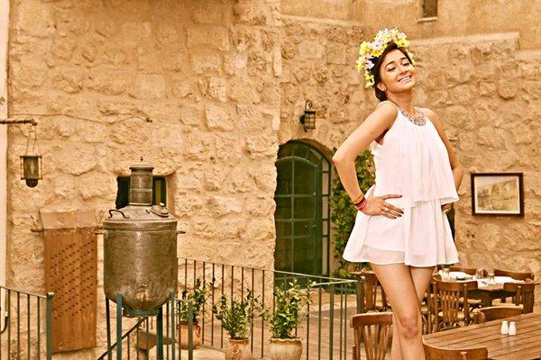 ტინა დუტა / Tina Dutta - Page 6 B1_p_Pki_CAAAJw_LI