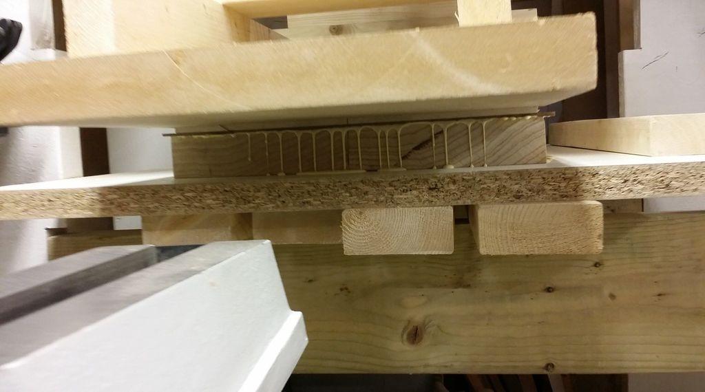 Construção caseira (amadora)- Bass Single cut 5 strings Melado