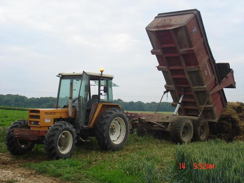 Hilo de tractores antiguos. - Página 37 RENAULT_851_4