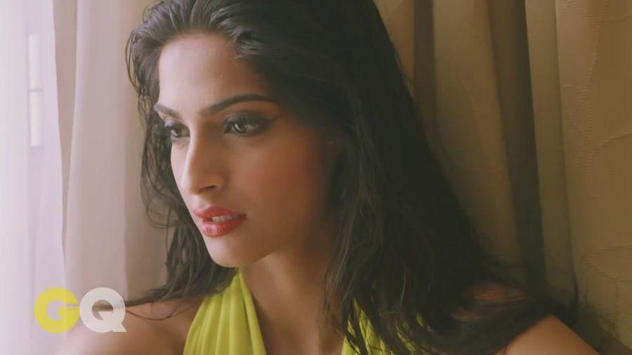 Sonam Kapoor Sizzles in GQ Magazine#3 - Page 2 Sonam_Kapoor_Fropki_037