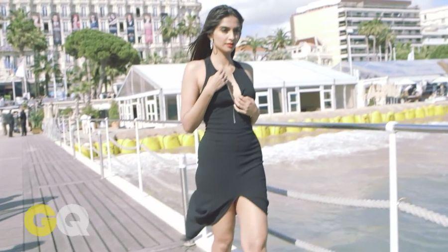 Sonam Kapoor Sizzles in GQ Magazine#3 - Page 2 Sonam_Kapoor_Fropki_034