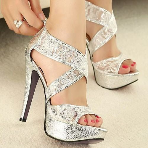 visoke potpetice... - Page 6 Fashion-heels-hot-shoes-leg-sexy-silver-style-silver-heels-Favim.com-785547