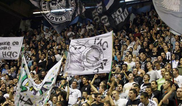 Fenomenul Ultras in alte sporturi - Pagina 2 Image