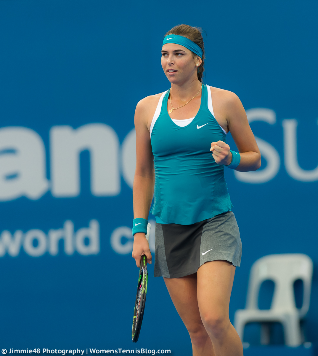 Tennista più bella del circuito... - Pagina 2 Ajla_Tomljanovic_Brisbane_Tennis_International