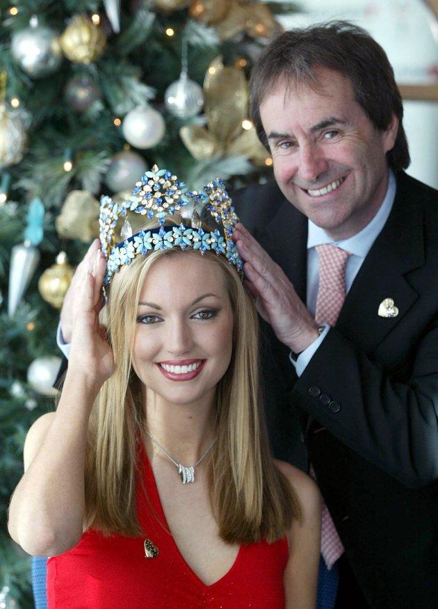 rosanna davison, miss world 2003. - Página 2 59809b52210000a134fc99b8