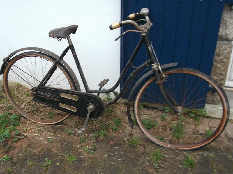 """Vélo de dame """"cycles chevalier (le Mans ) copie d'un modele des année 30  DSCF0782"""