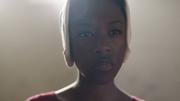 Episodio 1: Offred (Defred) Samira-wiley-as-moira_f
