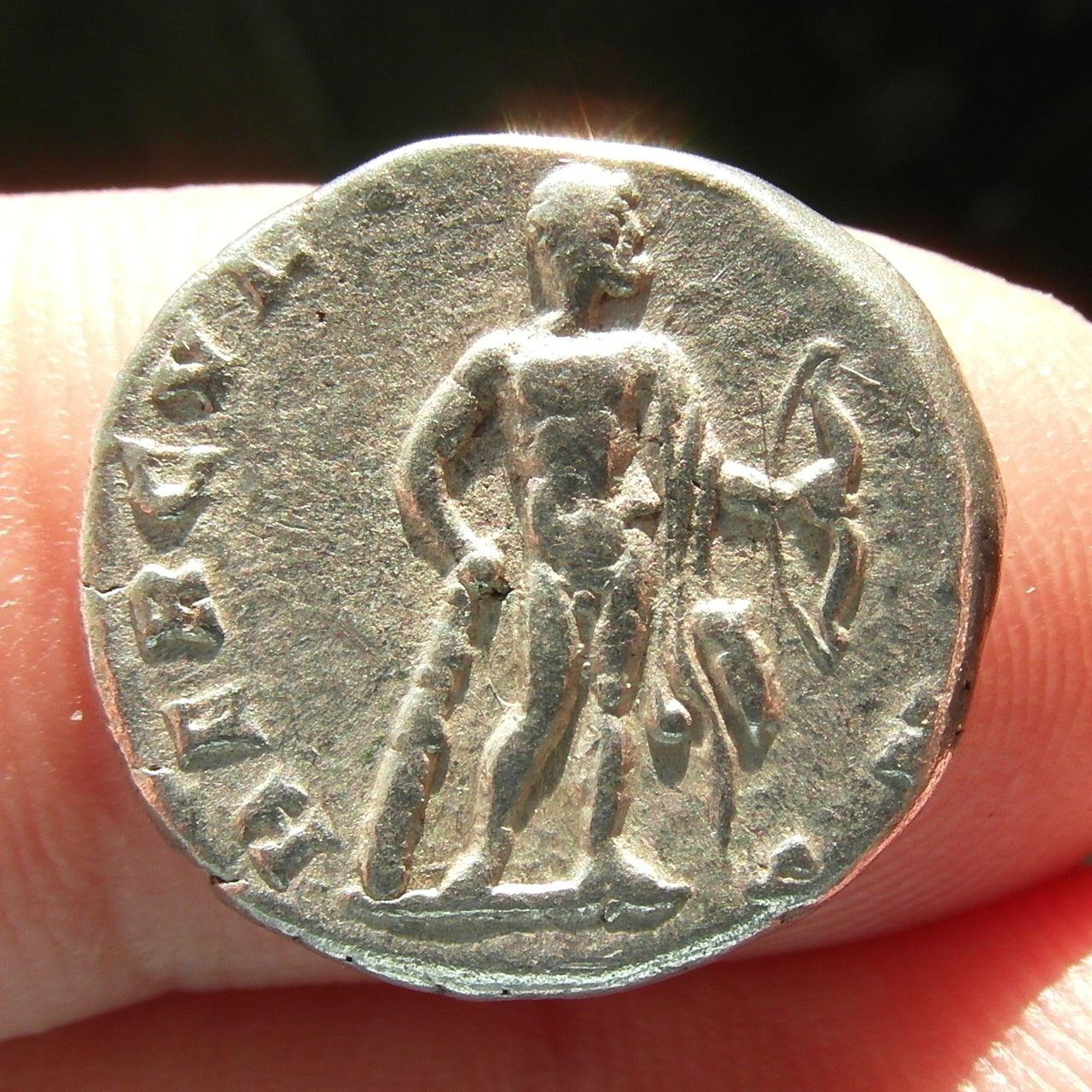 Denarios de Septimio Severo. HERCVLI DEFENS. Roma. SAM_0910_crop