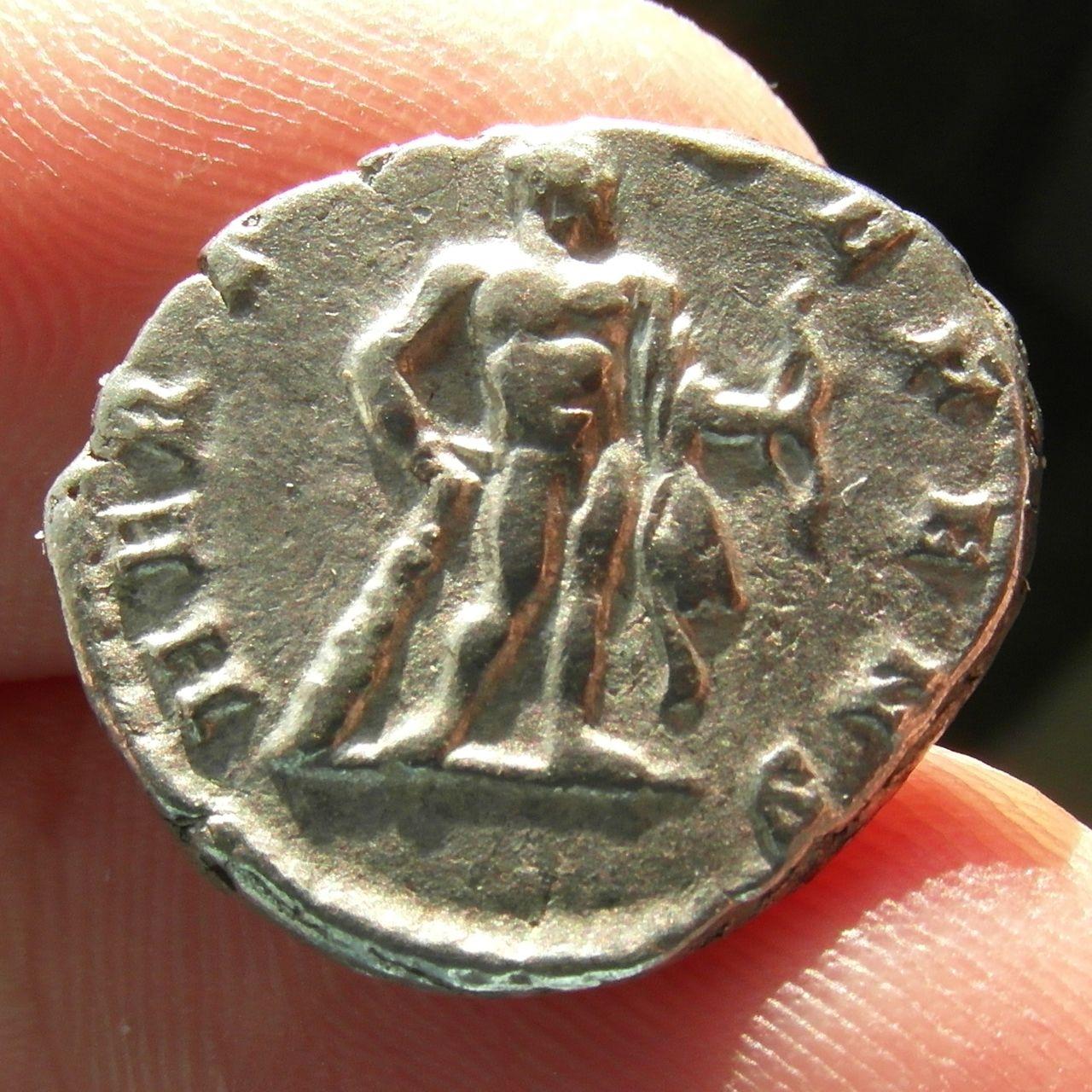 Denarios de Septimio Severo. HERCVLI DEFENS. Roma. SAM_0924_crop