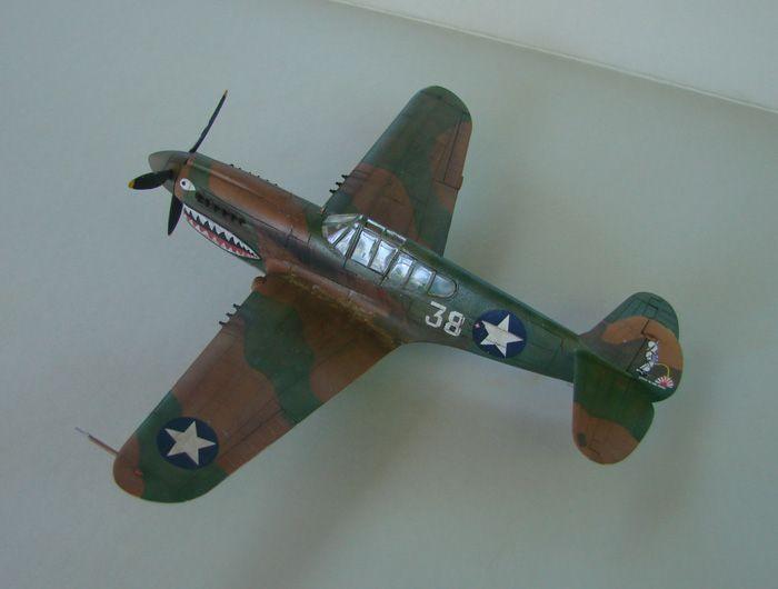 P-40E, Hobby Boss, 1/72 DSC03364