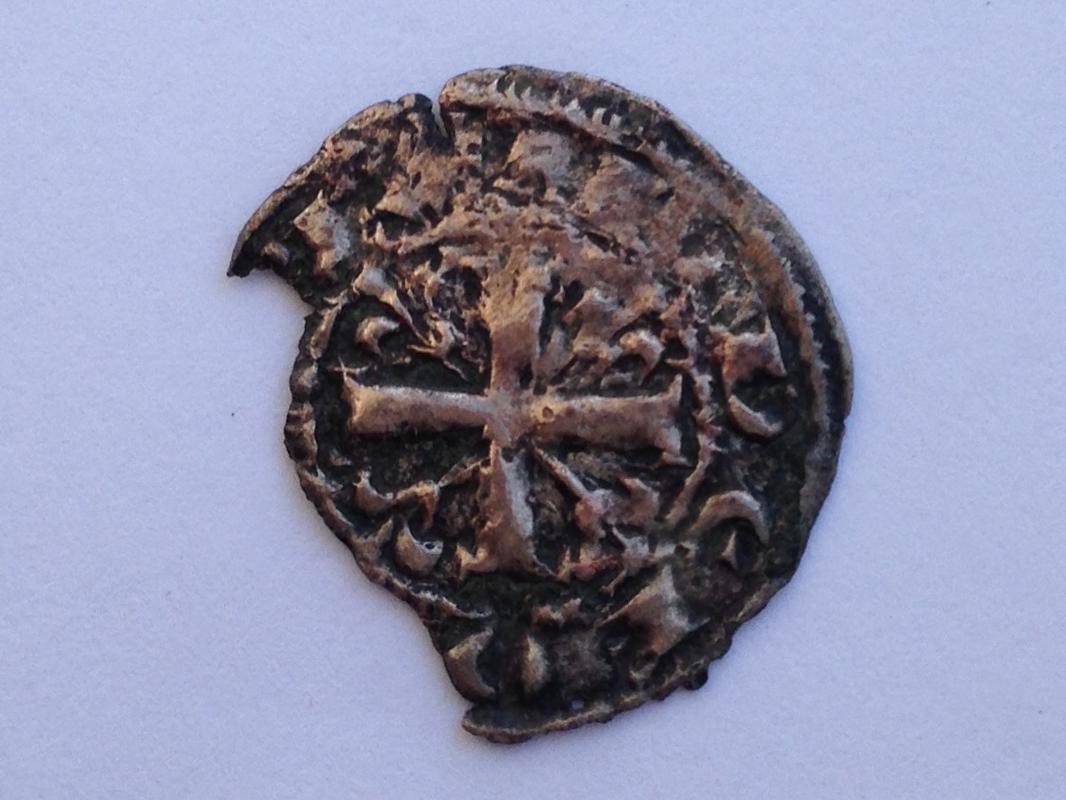 Dinero de Alfonso IX. ¿Punto y creciente? IMG_1854