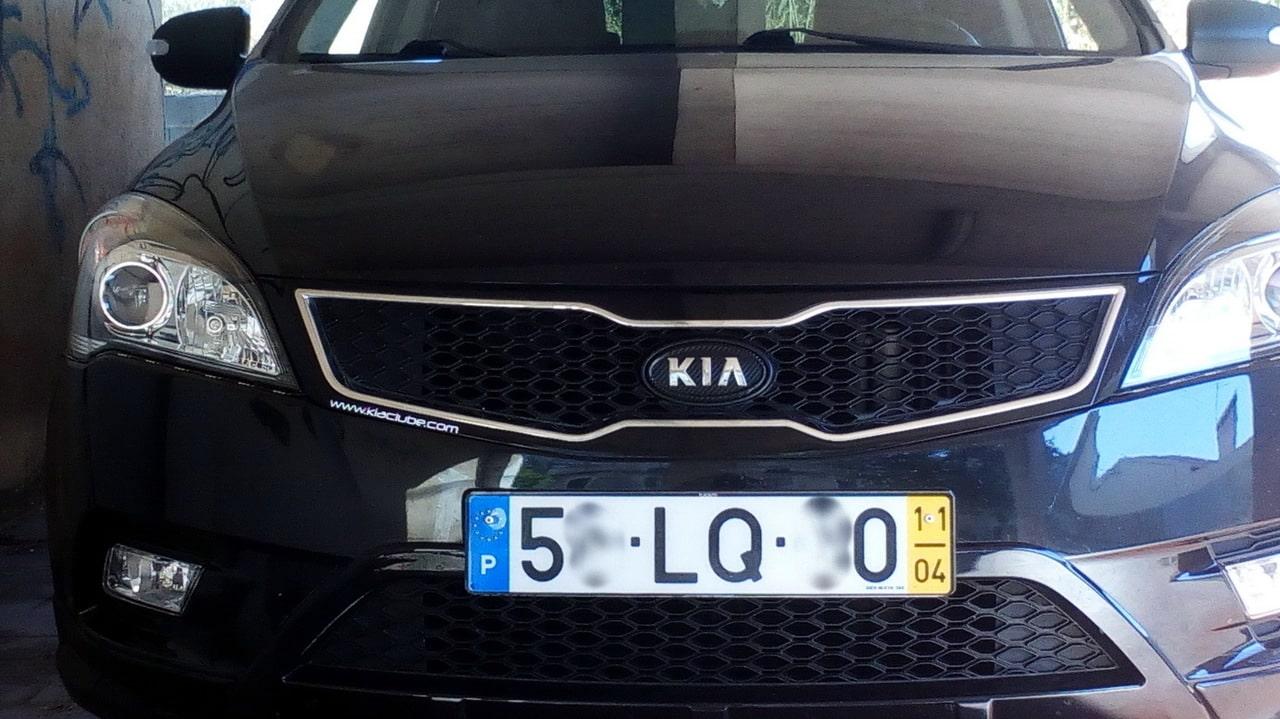 Kia Cee'd ED 1.6 CRDI TX (04.2011)  - Página 13 Emblema_carbono_4