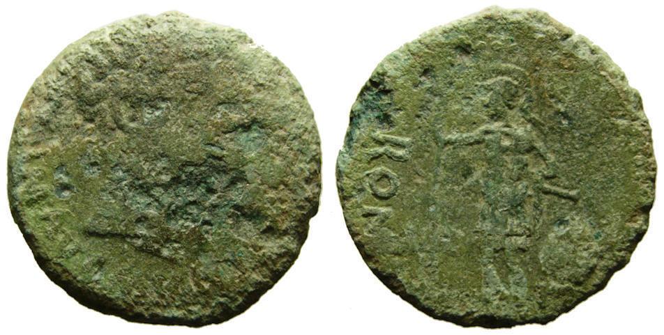 As de Itálica (Augusto). Soldado a izquierda. Muestra