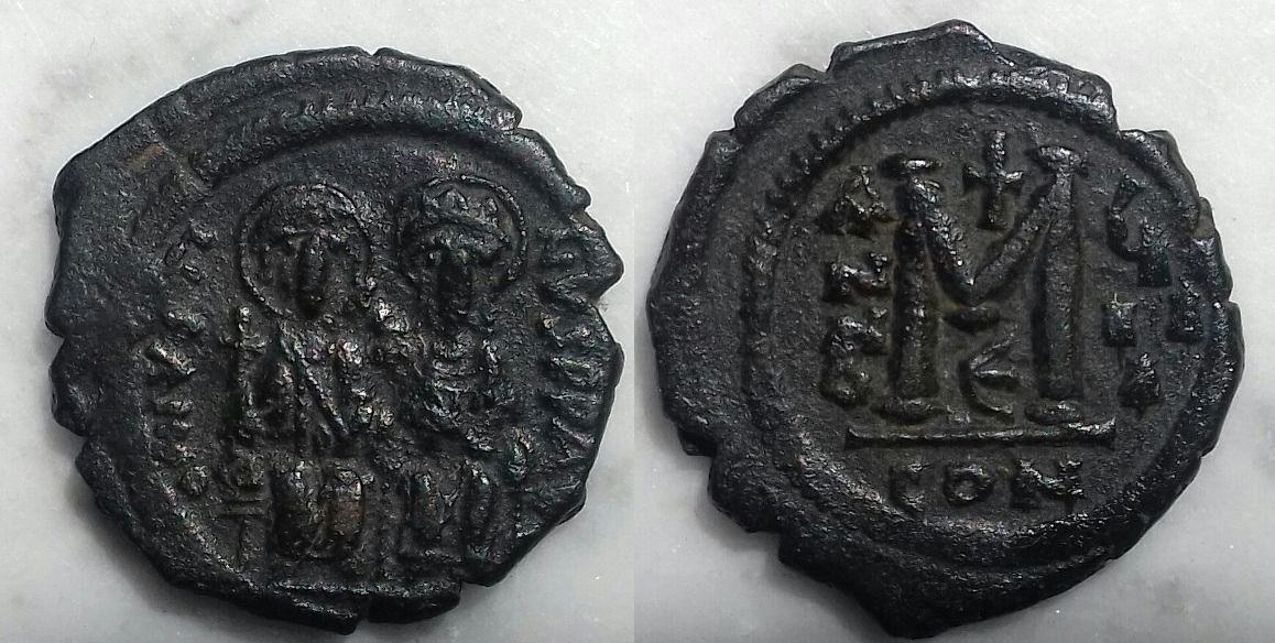 40 nummi de Justino II y Sofía. Constantinopla. Año 9º Justin_ii_cons