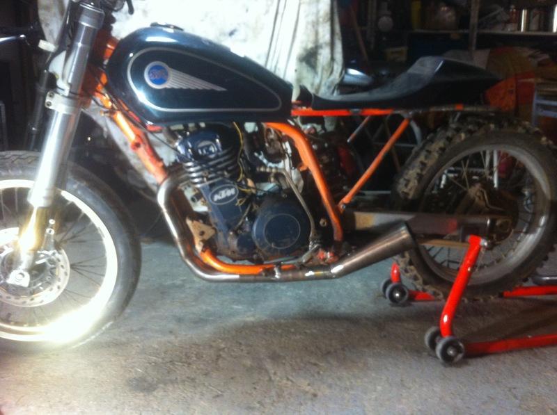 Mes pétoires KTM flat + Ducati café  IMG_5063