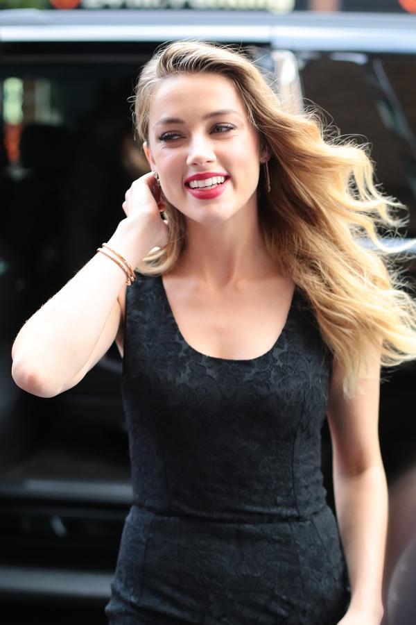 Amber Heard - Page 4 CIMUee1_XAAAsaa_T