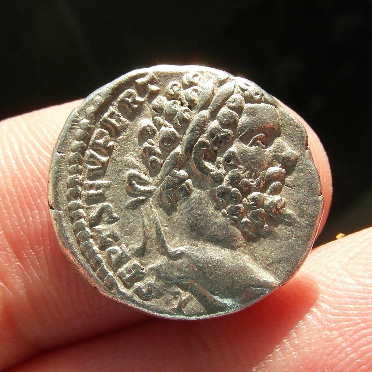 Denarios de Septimio Severo. HERCVLI DEFENS. Roma. SAM_0909_crop