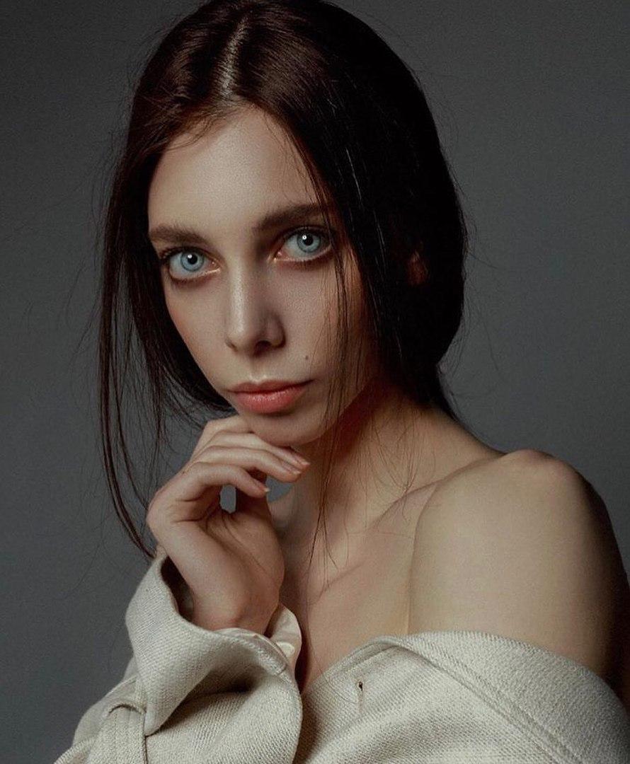 candidatas a miss russia 2018. final: 14 abril. - Página 3 V2hm_DCAr8t_U