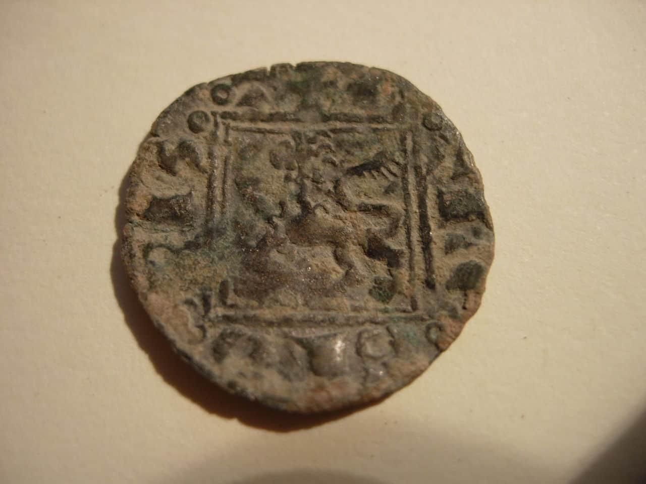 Dinero noven de Alfonso XI (1312-1350) de Toledo Baj_276