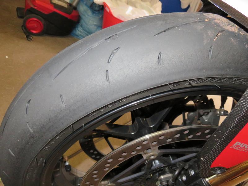 [PNEUS] Combien de kms faite vous avec vos pneus  - Page 3 D211_AVG