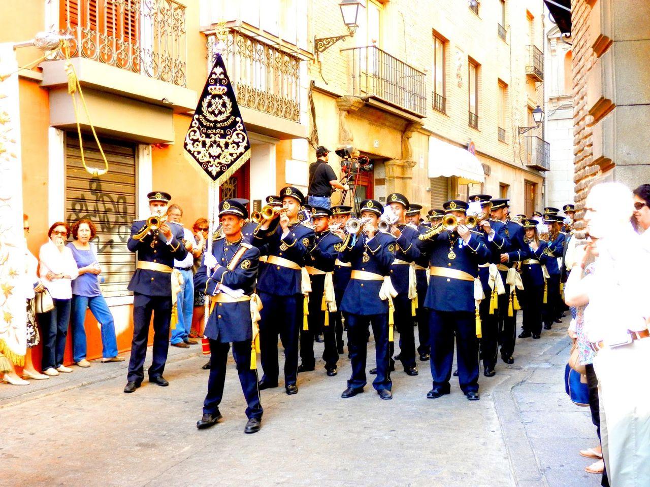 venta uniformes para banda de cornetas y tambores o agrupacion Image