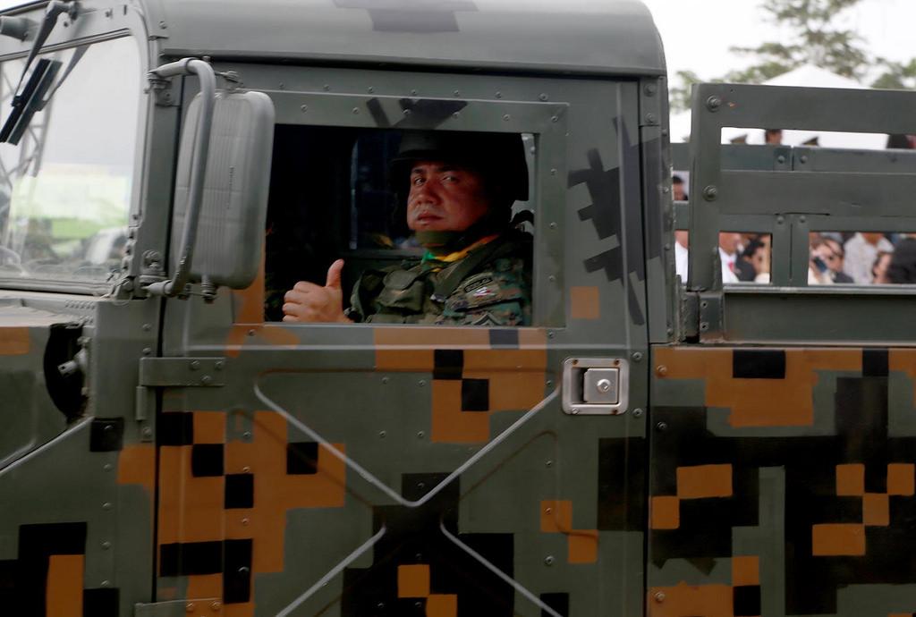 Armée Equatorienne/Fuerzas Armadas del Ecuador - Page 4 0_11