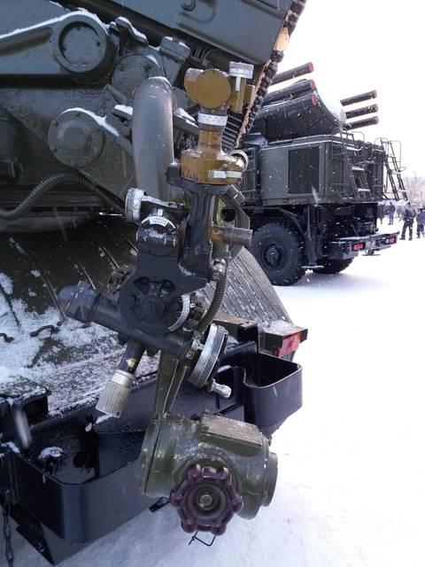 9К51 «Град» - 122-мм реактивная система залпового огня ZWcvX