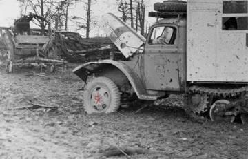 Ford v3000s Maultier Ambulance , ICM 1/35 Lq4oK