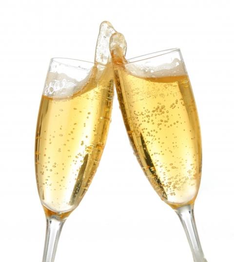 JUEVES 4 DE AGOSTO DE 2011 POR FAVOR DEJEN SUS MJES. DIARIOS AQUÍ. GRACIAS!! Champagne_toast1